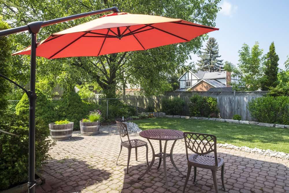backyard bistro area