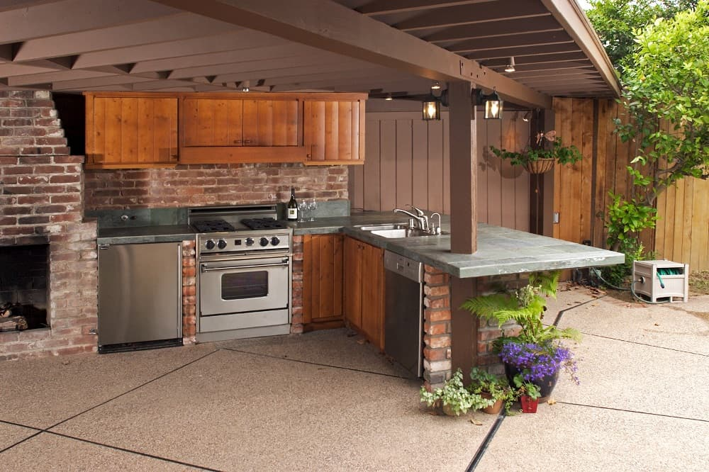 outdoor kitchen for bbq