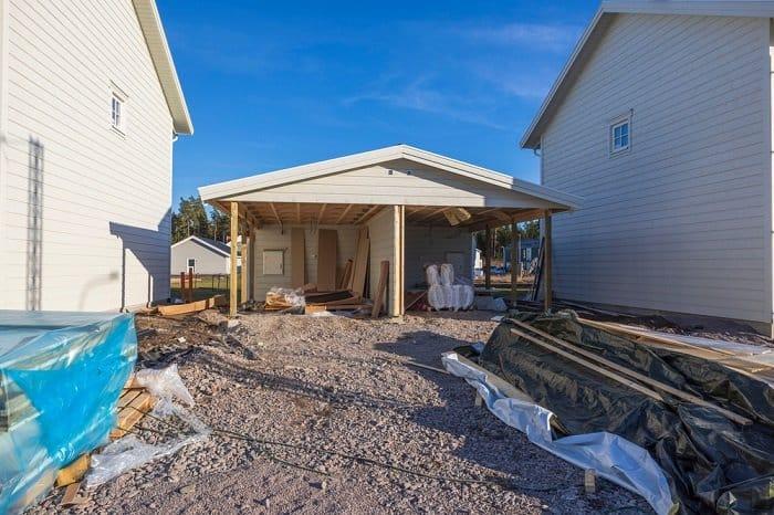 building close to neighbor